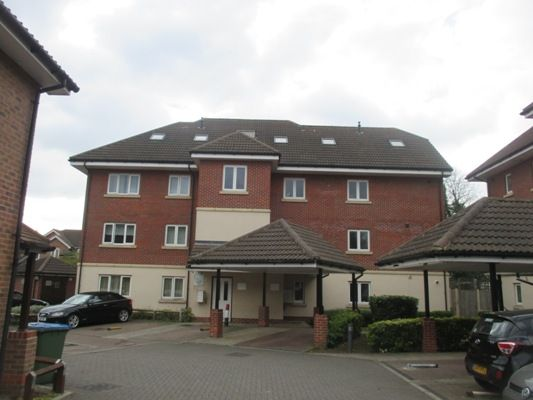 Thumbnail Flat for sale in Eastnor Road, London