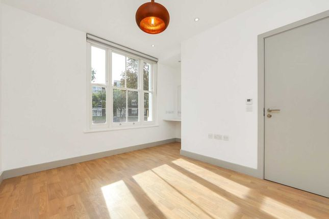Thumbnail Flat to rent in Ripley Villas, Castlebar Road, London