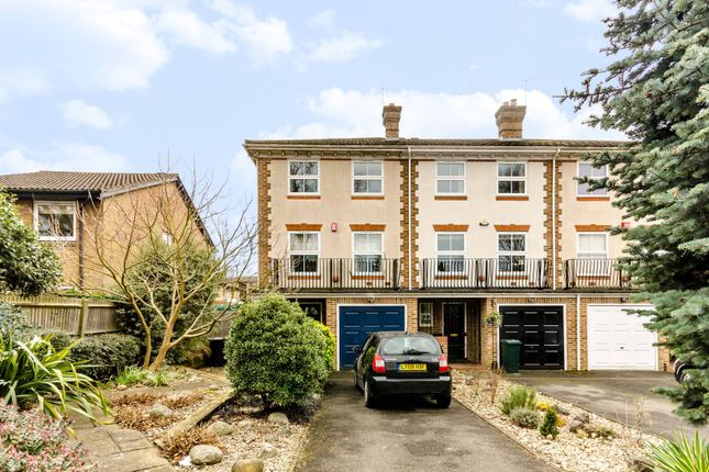 4 bed end terrace house for sale in Foxgrove Road, Beckenham