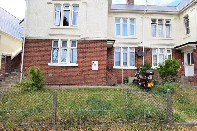 Thumbnail Flat for sale in Jenner Road, Barry