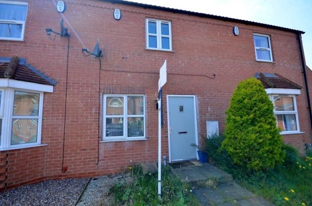 Thumbnail Terraced house to rent in Danes Close, Grimsby