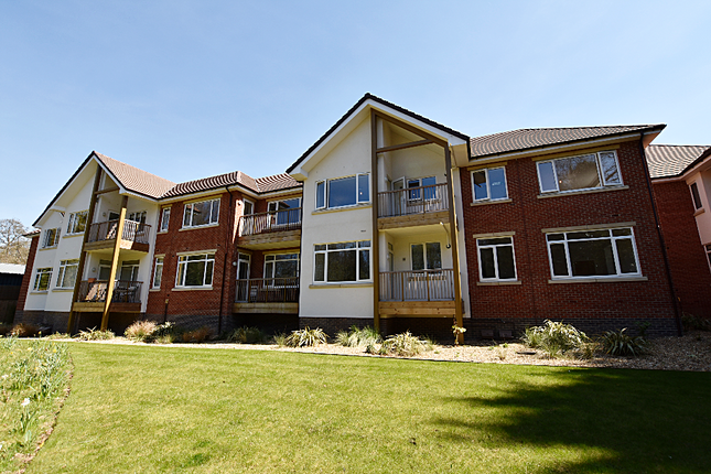 Thumbnail Flat for sale in 15 Medway House, Charters Village Drive, East Grinstead, West Sussex