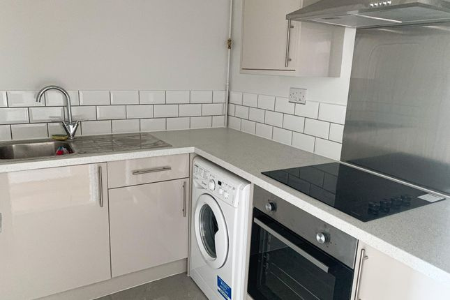Thumbnail Flat to rent in Modder Street, Scunthorpe