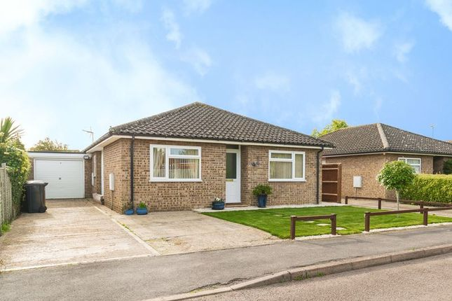 Thumbnail Bungalow for sale in Katchside, Sutton Courtenay, Abingdon