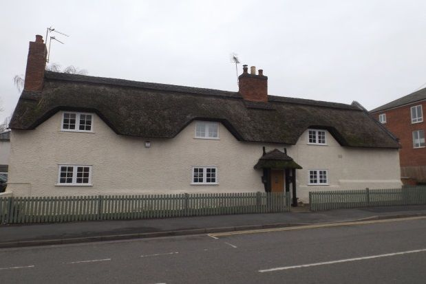 Thumbnail Cottage to rent in High Street, Syston, Leicester