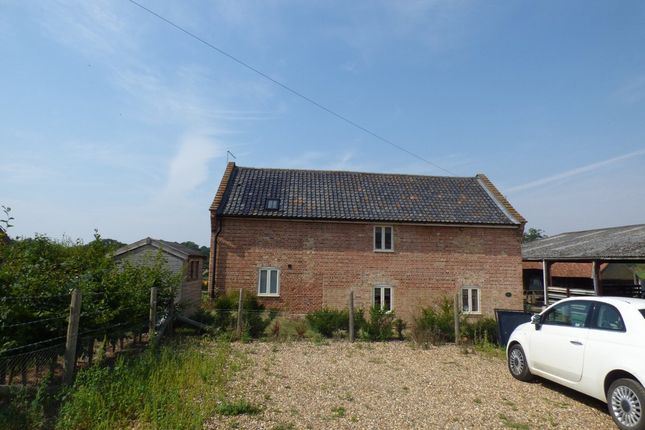 Thumbnail Barn conversion to rent in Belsey Bridge Road, Ditchingham, Bungay