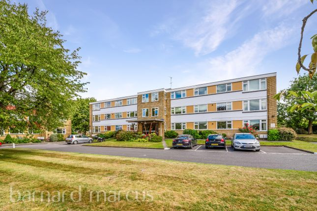 Thumbnail Flat to rent in Avenue Road, Epsom