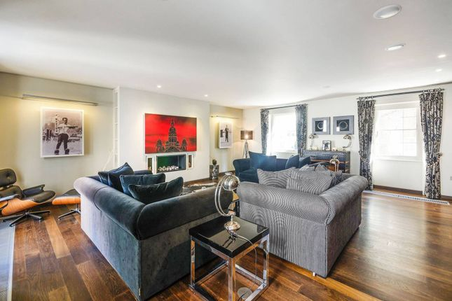 Thumbnail Property to rent in Wilton Mews, Belgravia