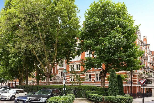 Thumbnail Flat for sale in Campden Hill Court, Campden Hill Road, London