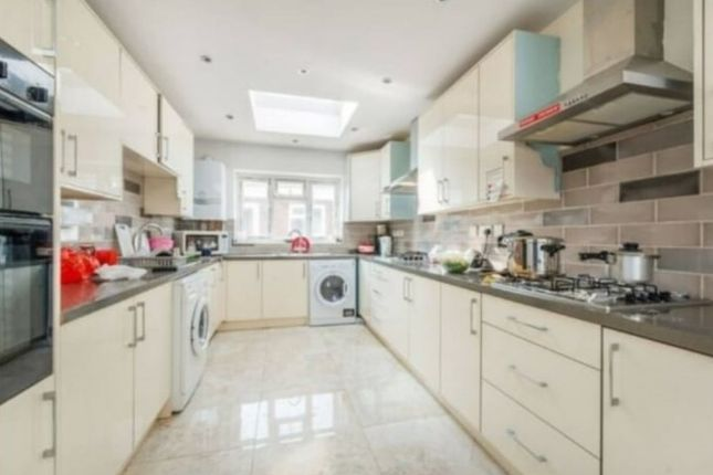 Thumbnail Detached house for sale in Queens Gardens, Heston, Hounslow