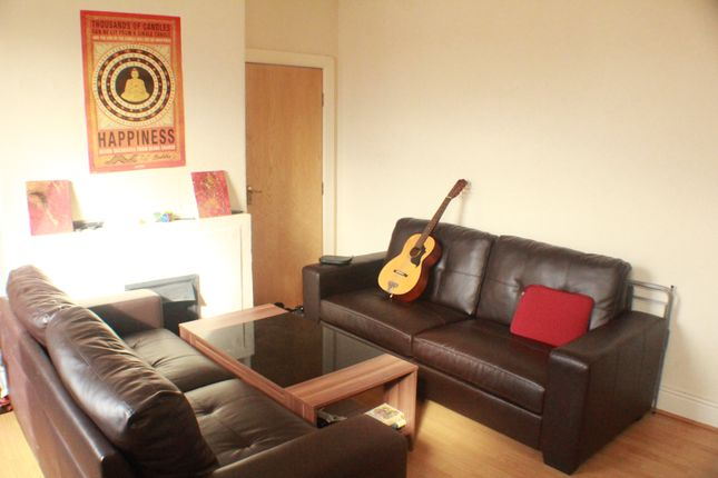 Thumbnail Terraced house to rent in Spring Grove Walk, Leeds