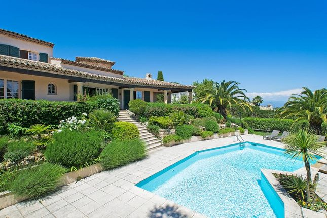 Villa for sale in Super Cannes, French Riviera, France