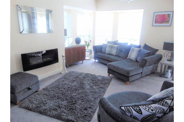 Lounge of Fairbourne Walk, Oldham OL1