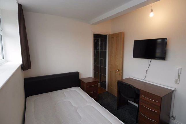 Thumbnail Property to rent in New Street, Room 6