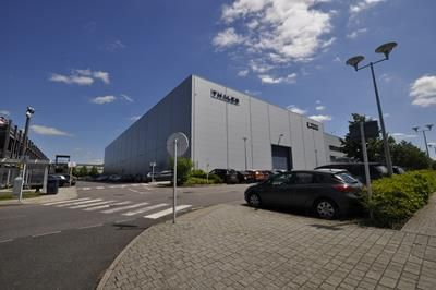 Thumbnail Light industrial to let in Miletus House, London Road, Crawley, West Sussex