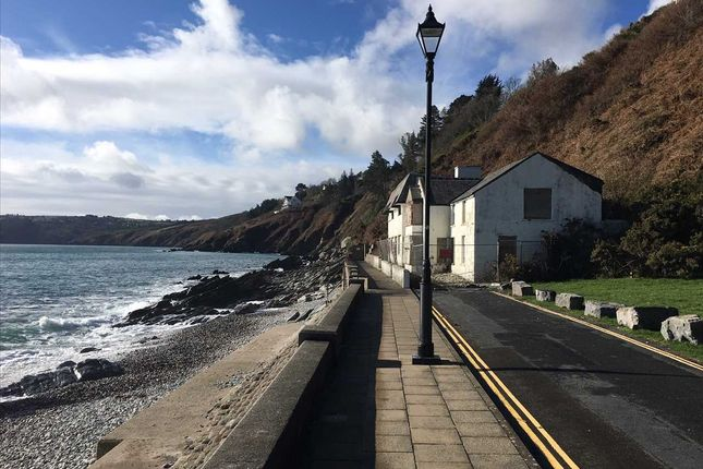 Directions of The Promenade, Laxey, Isle Of Man IM4