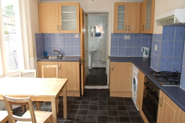 Thumbnail Terraced house to rent in Mossford Street, Mile End