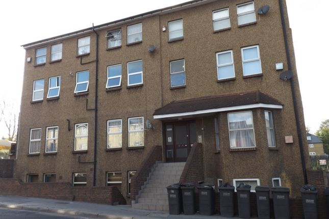 Thumbnail Flat to rent in Penge Road, South Norwood