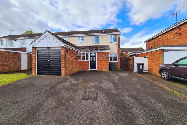 4 bed mews house for sale in Fair Isle Drive, Glendale, Nuneaton CV10