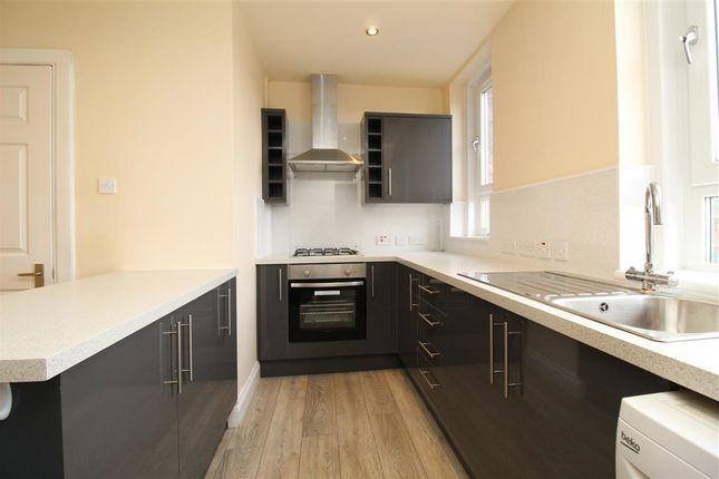 Thumbnail Flat to rent in Muirhall Road, Larbert