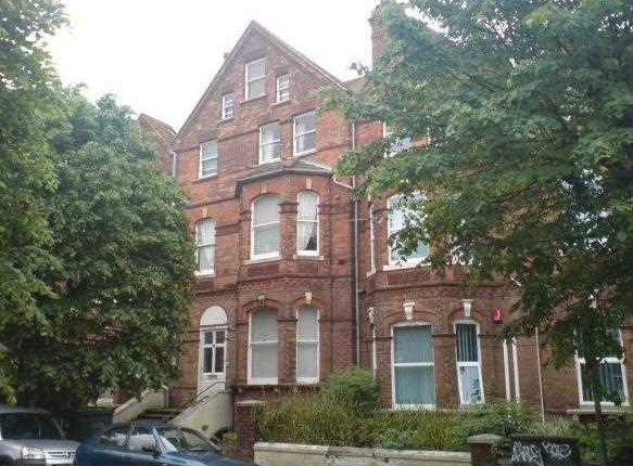 Flat to rent in Millfield, Folkestone