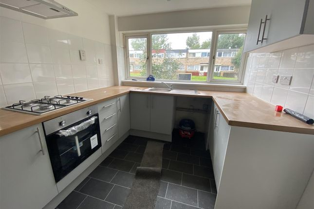 3 bed property to rent in Burnmoor Close, Bletchley, Milton Keynes MK2