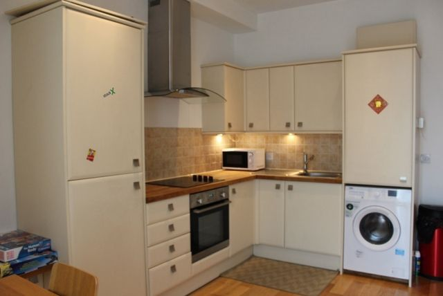 Thumbnail Terraced house to rent in Pearl Court, Oystermouth Road, Swansea.