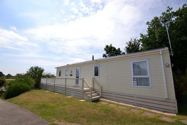 Lodge of Colchester Road, St Osyth, Clacton-On-Sea CO16