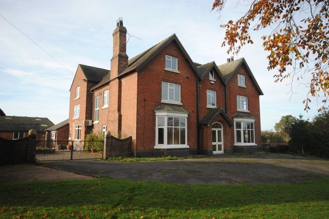 Thumbnail Farmhouse to rent in Woore Road, Buerton, Crewe