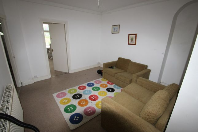 Thumbnail Shared accommodation to rent in Kingsland Terrace Room 3 (House Share), Pontypridd