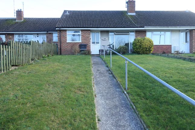 2 bed detached bungalow to rent in Carisbrooke Gardens, Yeovil BA20