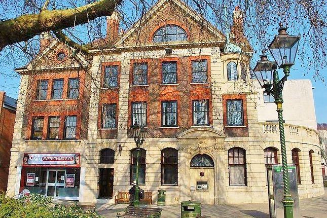 Thumbnail Flat to rent in Carfax, Horsham