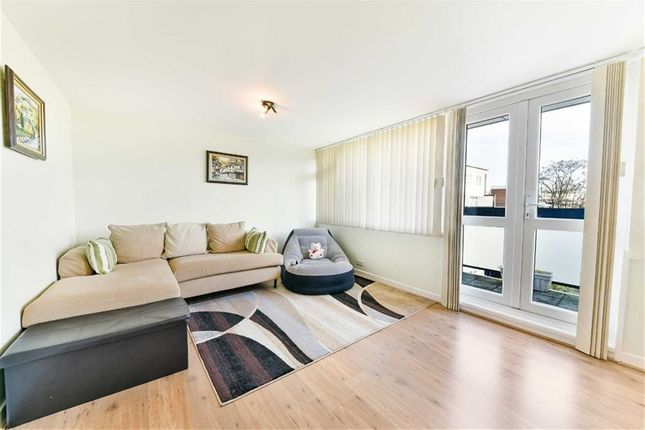 Thumbnail Flat for sale in Brunswick Road, Sutton