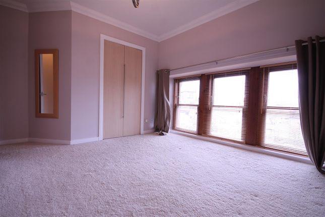 Bedroom 1 of School Lane, Bothwell, Glasgow G71