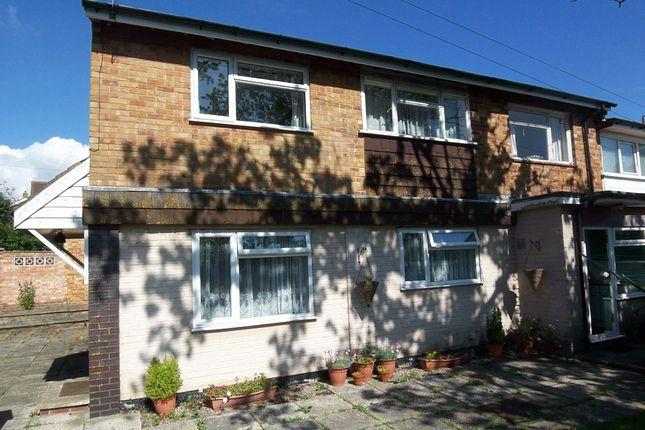 2 bed flat to rent in Heath Road North, Locks Heath, Southampton SO31