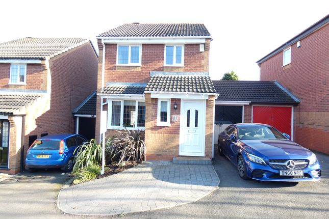 Thumbnail Link-detached house for sale in Somerset Close, Fazeley, Tamworth