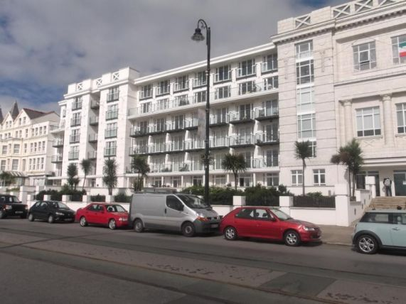 Thumbnail Flat to rent in Central Promenade, Douglas