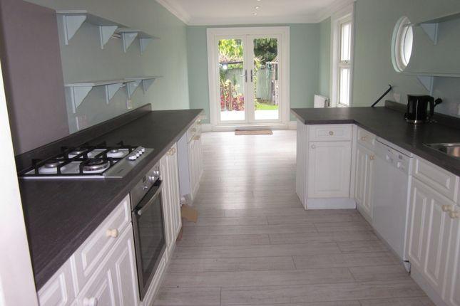 Thumbnail Terraced house to rent in Salisbury Road, Barnet