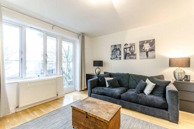 2 bed flat to rent in Masefield Court N5, Highbury,