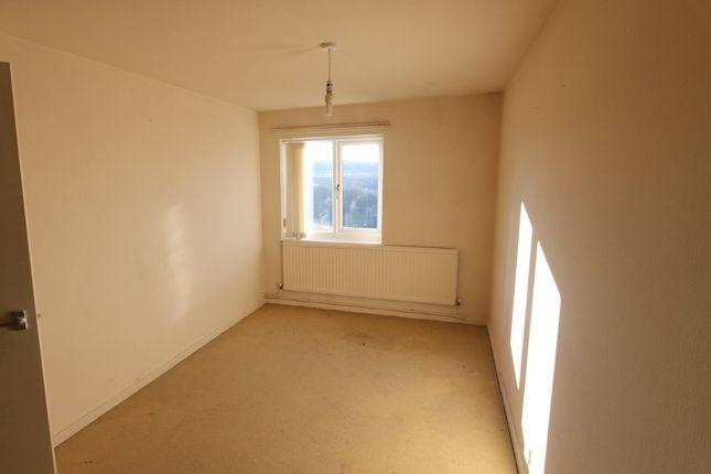 Bedroom of Mont Walk, Wombwell Barnsley S73