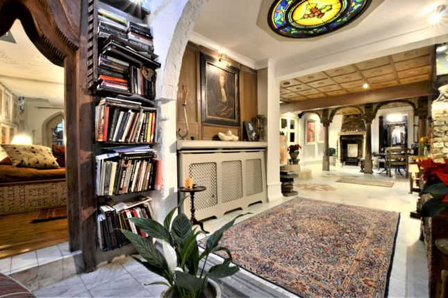 Thumbnail Maisonette for sale in Princedale Road, London