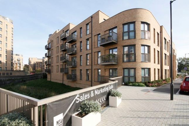 Thumbnail Flat for sale in Ruby Court, New South Quarter, Cabot Close, Croydon