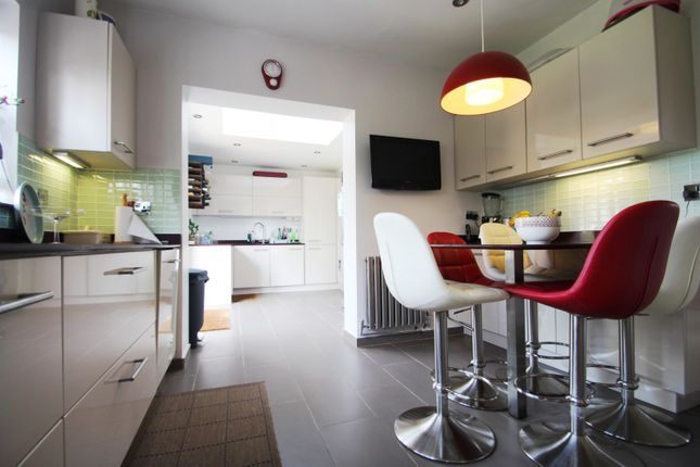 Kitchen of Third Avenue, Broadwater, Worthing BN14