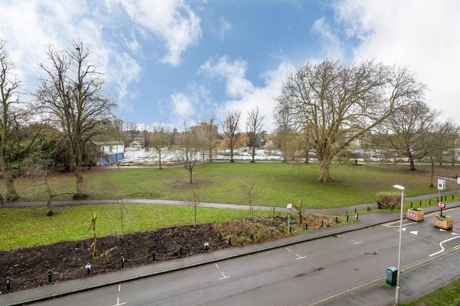 1 bed flat for sale in Lower Ham Road, Kingston Upon Thames KT2
