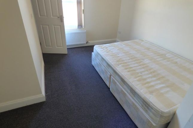 Room to rent in Cliff Road, Dovercourt, Harwich CO12