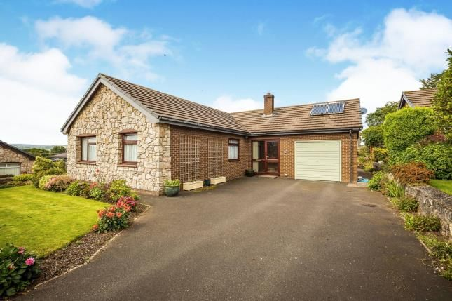 Thumbnail Bungalow for sale in Troed Y Fenlli, Lanbedr Dyffryn Clwyd, Ruthin, Denbighshire