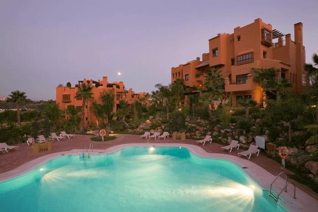 3 bed apartment for sale in Urb. La Alzambra, Marbella, Andalucia, 29612, Spain