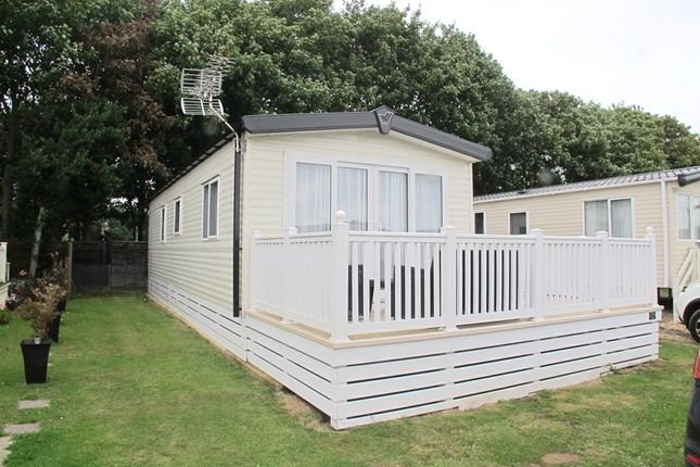 Thumbnail Property for sale in Hook Park Estate, Hook Park Road, Warsash, Southampton
