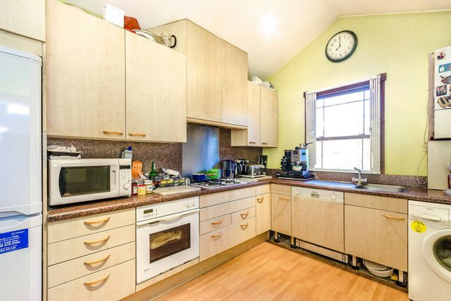 Thumbnail End terrace house for sale in Archway Road, Highgate