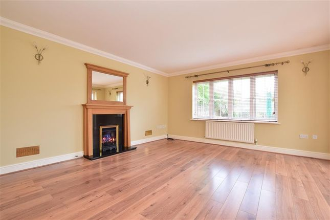 Thumbnail Detached house for sale in Walhatch Close, Forest Row, East Sussex